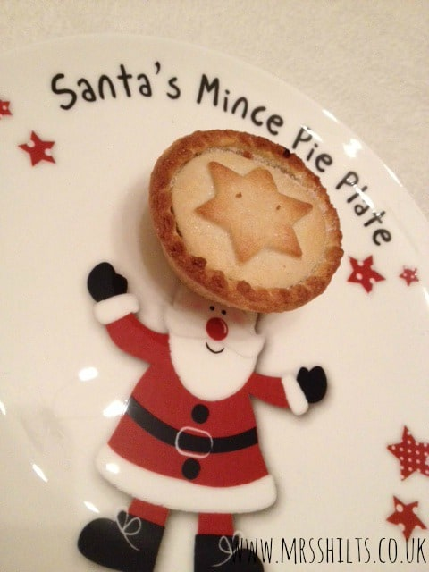 Life According To Mrsshilts Review Santa S Mince Pie