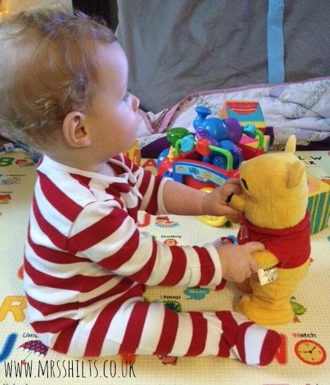 winnie the pooh dancing pooh