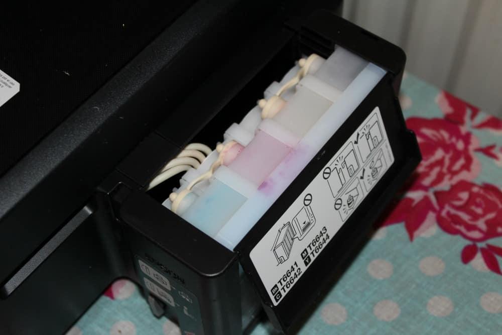 Epson EcoTank L355 liquid ink storage