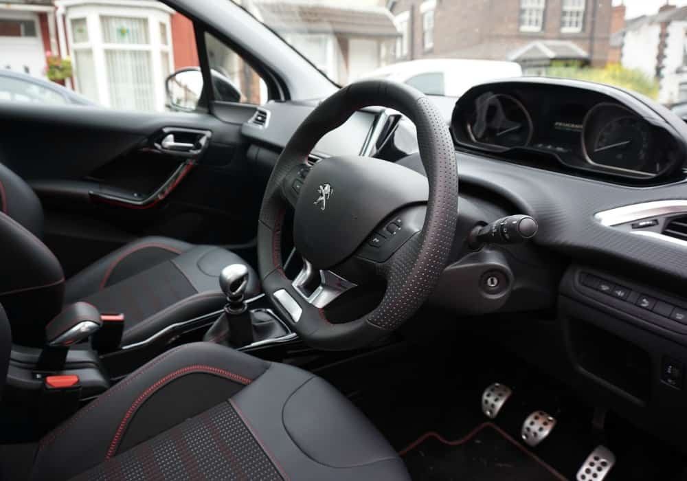 life according to mrsshilts driving the new peugeot 2008 gt line life according to mrsshilts. Black Bedroom Furniture Sets. Home Design Ideas