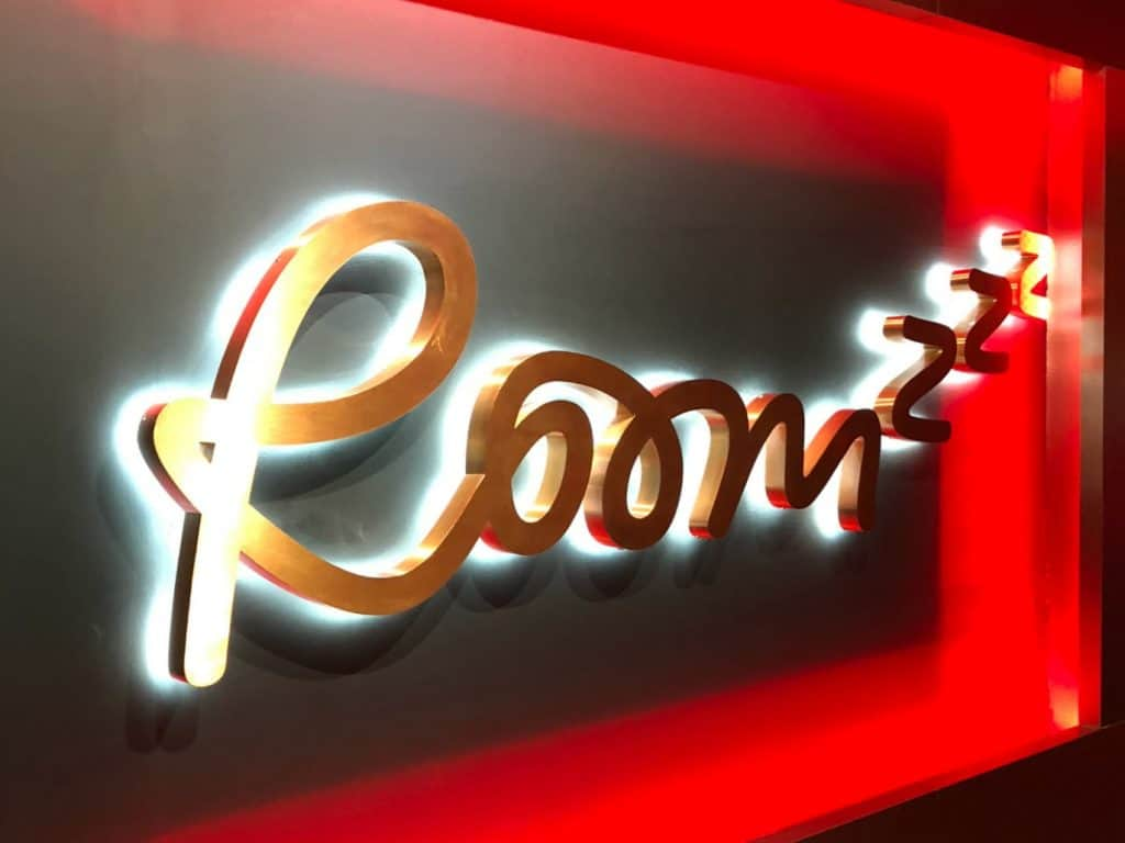 Roomzzz Stratford